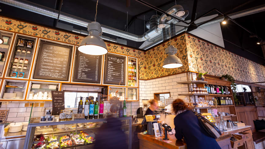 At the bakery Två Systrar, an impressive Lindab installation creates a comfortable indoor climate for both customers and staff.