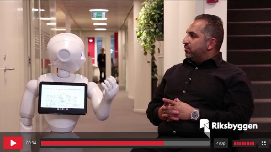 Riksbyggen digitaliserar på bred front - roboten Liv berättar