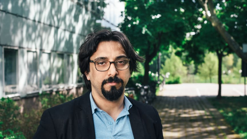 – Organiserad brottslighet har blivit ett slags verktyg som väldigt enkelt kan användas för att inge fruktan, måla upp hotbilder och vid introduktion av olika lagar, säger Amir Rostami, nybliven doktor i sociologi vid Stockholms universitet.