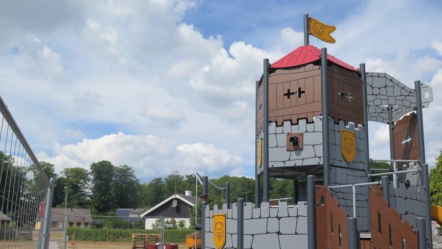 Klätterställning på den nya lekplatsen i Falkvik, för högupplösta pressbilder se länk nedan.