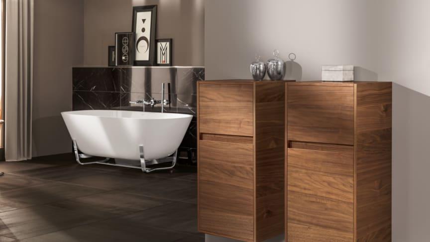 Förvaringsmöjligheter är en viktig del i planeringen av ett badrum. Villeroy & Bochs möbelserie Antheus kombinerar smart förvaring med snygg design.
