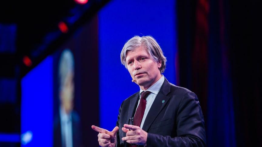 Klima- og miljøminister Ola Elvestuen på Enovakonferansen.