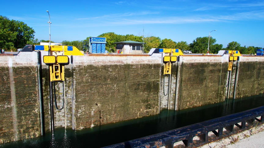 Three MoorMaster™ automated mooring units at the St. Lawrence Seaway