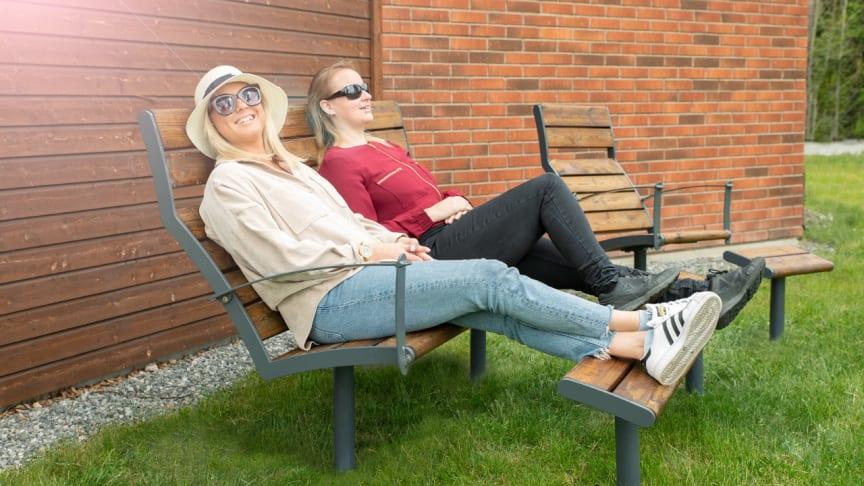 Nifo Easy Solstol och Solsoffa är designade av Andreas Klippinge