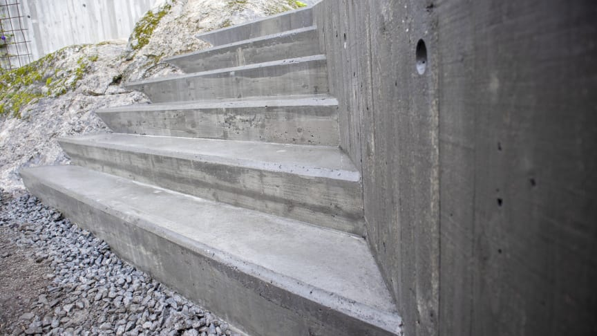 Björn bygger bo - Gjuta trappa 1