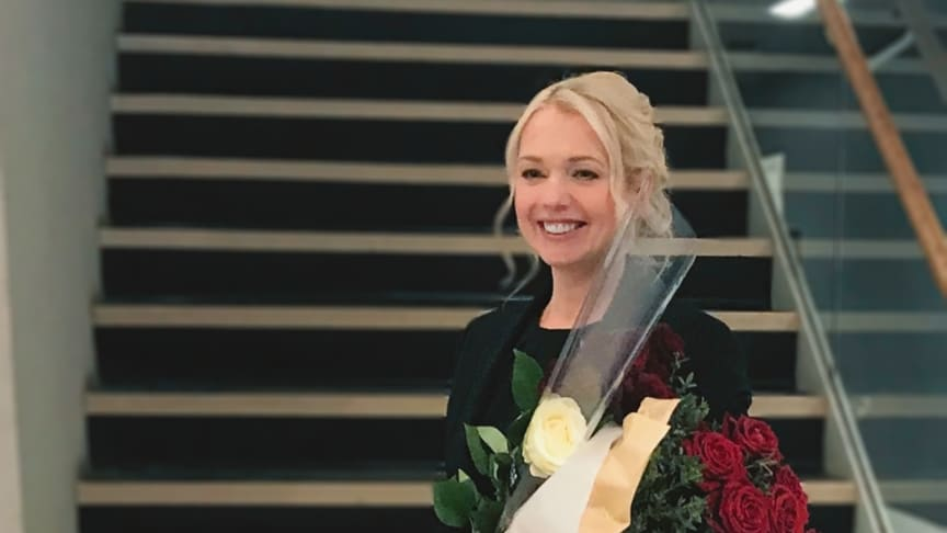 Pilleriin Sikka, adjunkt i kognitiv neurovetenskap vid Högskolan i Skövde, har nyligen disputerat med sin avhandling om drömpåverkan.