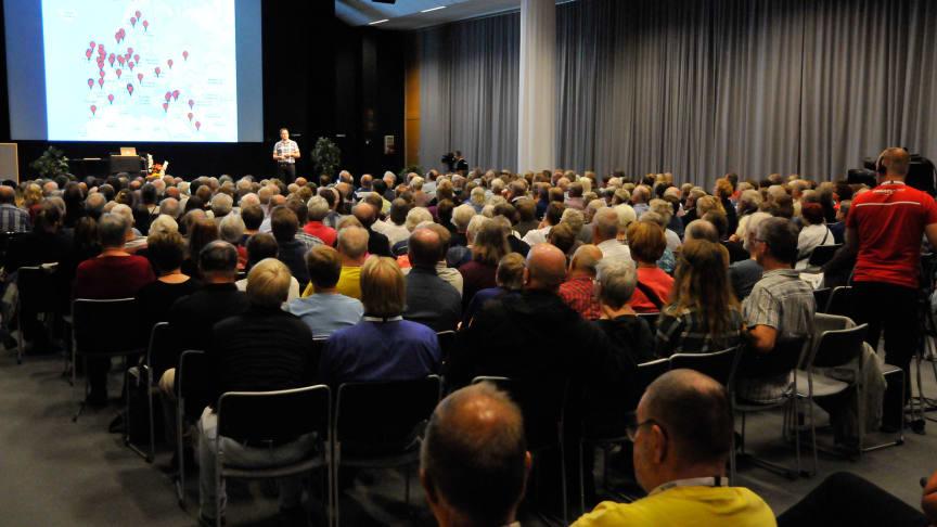 """En av dagens längsta köer skapade föreläsningen """"Släktforska med DNA – livet efter toppningen"""" med Peter Sjölund."""