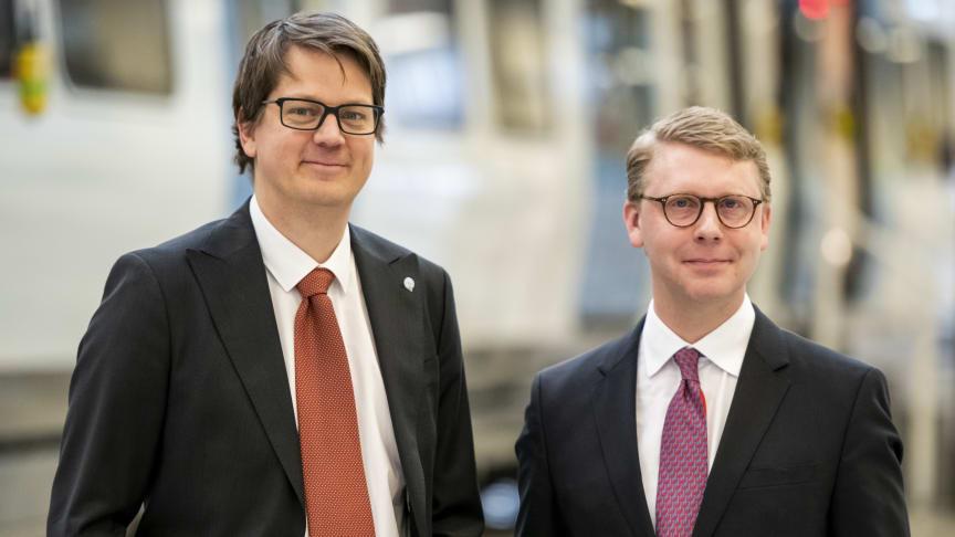 Johan Oscarsson, vd MTR Tunnelbanan, tillsammans med Kristoffer Tamsons, trafikregionråd och styrelseordförande SL