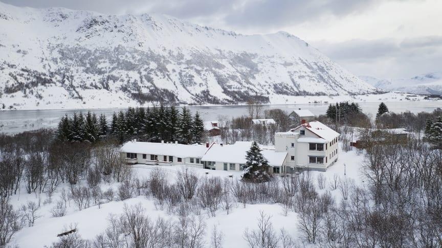 FURU Hostel & Café i vinterskrud
