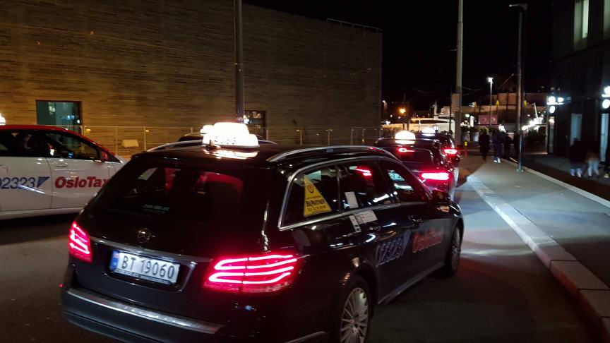 Drosjene merker dramatisk nedgang i trafikken, og må ha hjelp til å overleve.