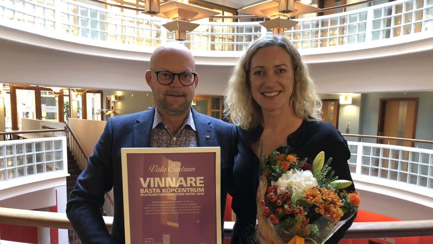 Niklas Blonér, Centrumchef Väla och Ulrika Nordström, Marknadschef Väla.