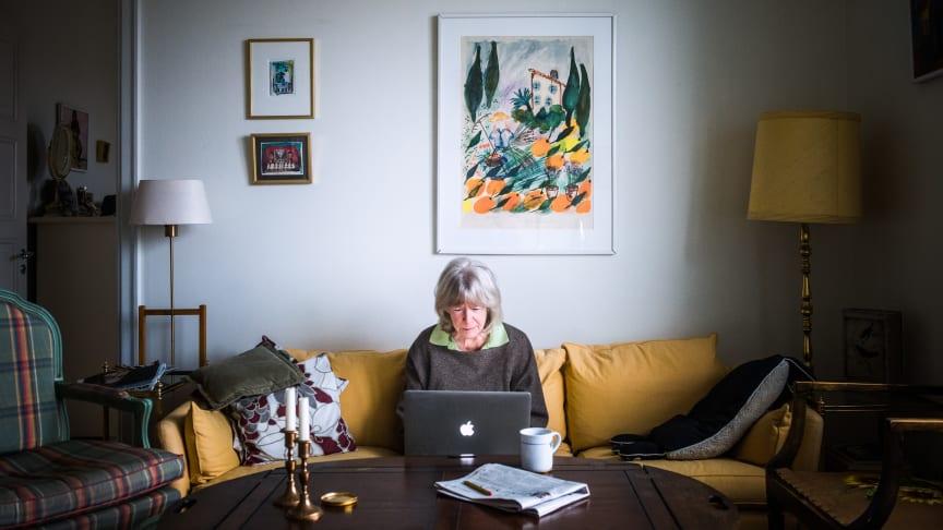 Följ med på 82-åriga Kerstin Wolgers första vecka online