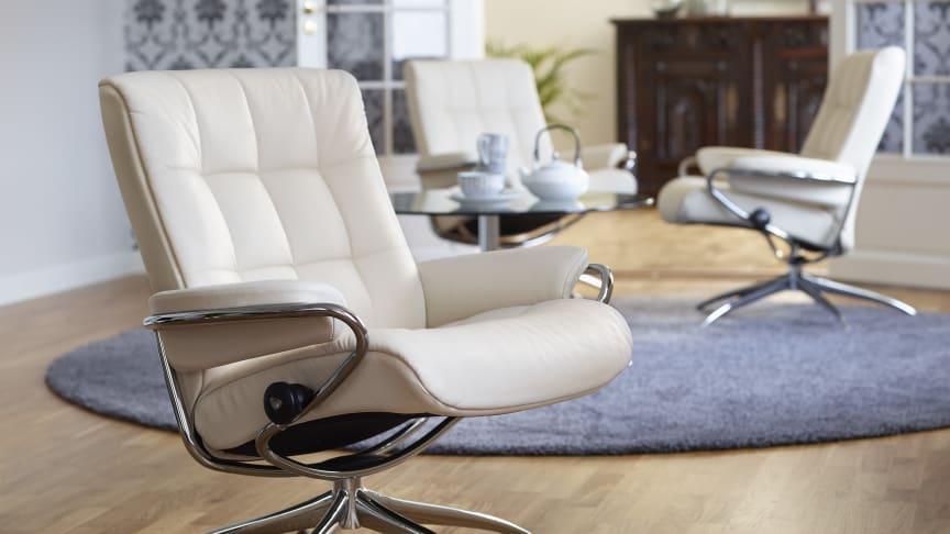 Stressless London hvilestol med lav rygg, vist i hud Paloma Vanilla