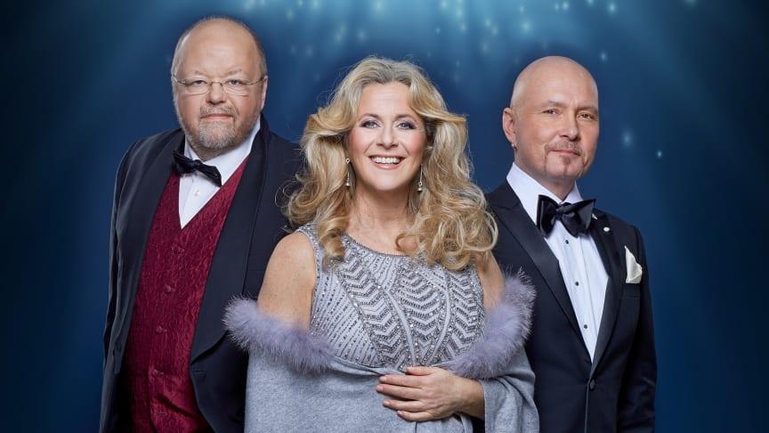 Thank you for the music med Kalle Moraeus, Gunilla Backman och Johan Boding på Sofiero 23 jul 2020. En hyllningskonsert till Björn & Benny. Pressbild.