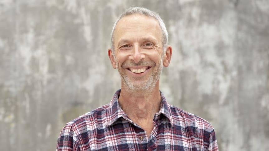 Peter Streijffert, aktuell med boken Odla i Stan, kommer till Nolia Trädgård. Foto: Lars Hallström