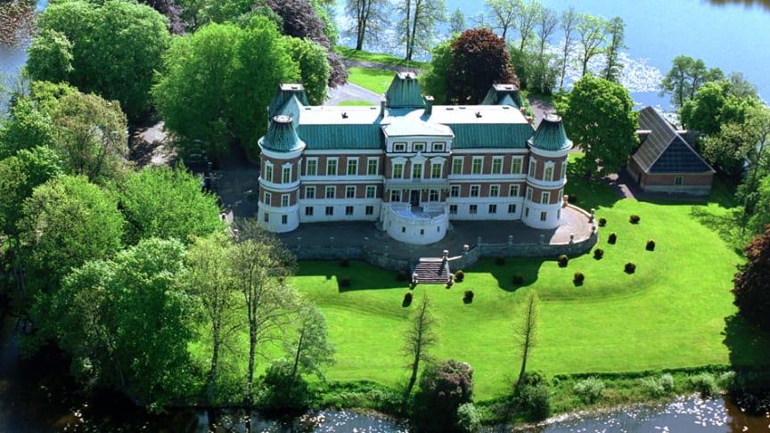 Norrmän intar skånska slott på nationaldagen