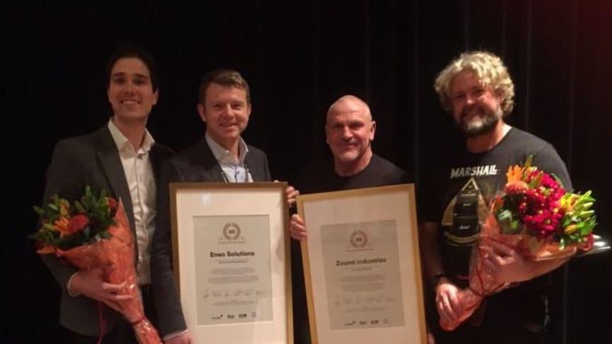 Eneos Max Metelius och Eric van Alphen tillsammans med vinnarna i kategorin Årets affärsmodell Zound Industries