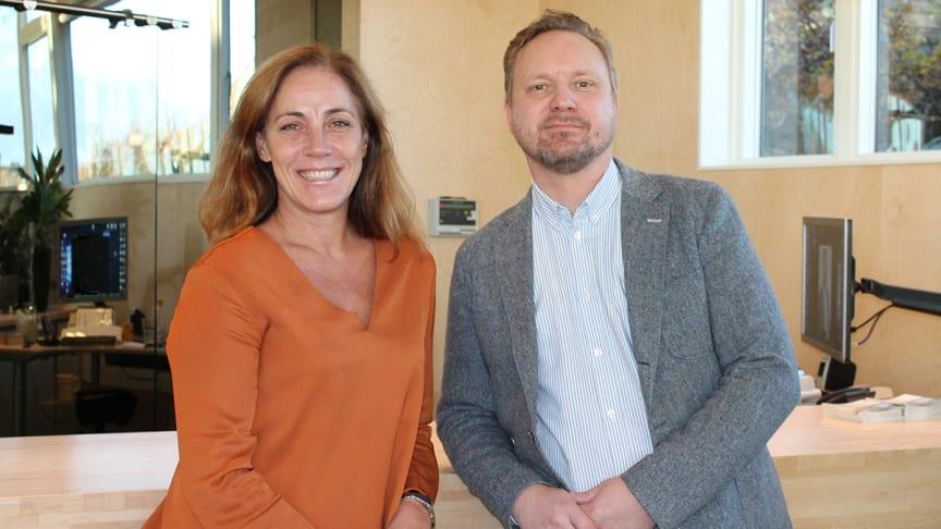 Pia Tymberg och Henrik Hägglund hjälper koncernbolag och större organisationer med kompletta lösningar för ekonomi- och HR-system