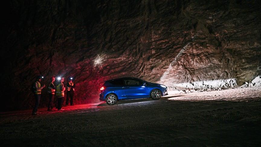 """Natáčení nové televizní reklamy """"Undertrack"""" probíhalo 400 metrů pod zemí v jednom z největších solných dolů v Evropě"""