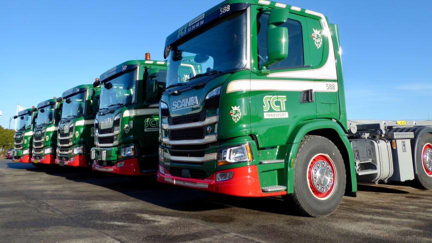 SCT har valgt en 8x2/*6-akselkonfiguration, da bilerne skal bruges til containerkørsel i indre København og derfor skal kunne manøvre på trange lokationer.