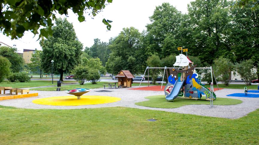 Nyanlagd lekplats på Dalbogatan i Borås.