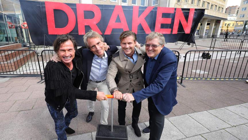 Petter Stordalen, Erik Selin, Hampus Magnusson och Mats Arnsmar, inviger spadtaget för Clarion Hotel Draken