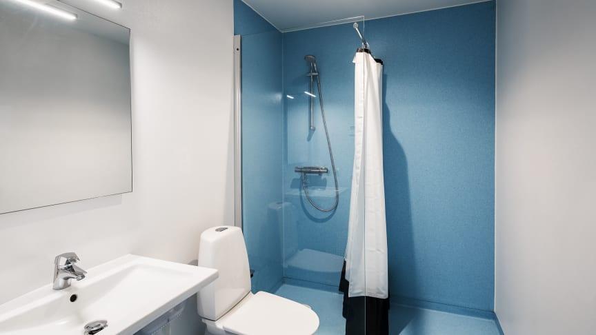 Badrum i HSB Living Lab där de boende får duscha i återanvänt vatten