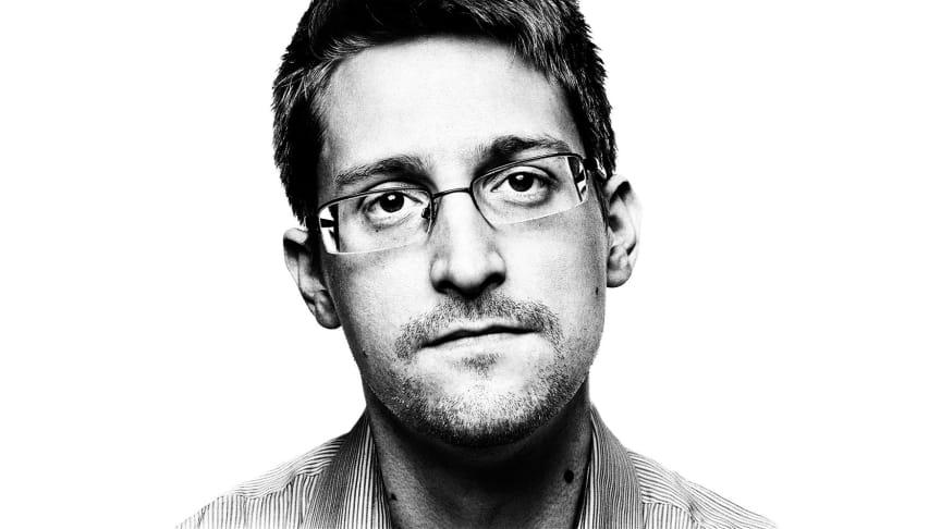 Efter filmen bringes et Skype-interview med den verdenskendte whistleblower Edward Snowden direkte fra Moskva.