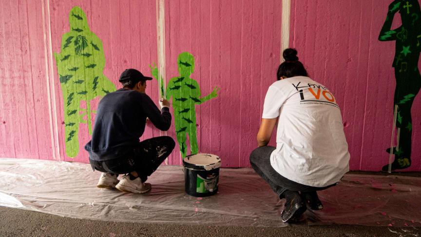 Konst som sommarjobb: Invigning av muralmålning i tunneln mellan Markbacken och Varberga/Oxhagen