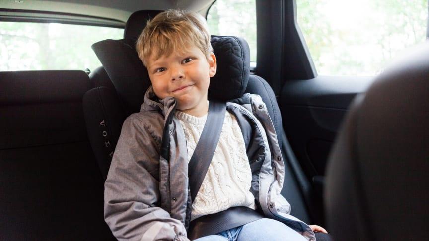 Tips för en säkrare vinterresa med barn i bilen