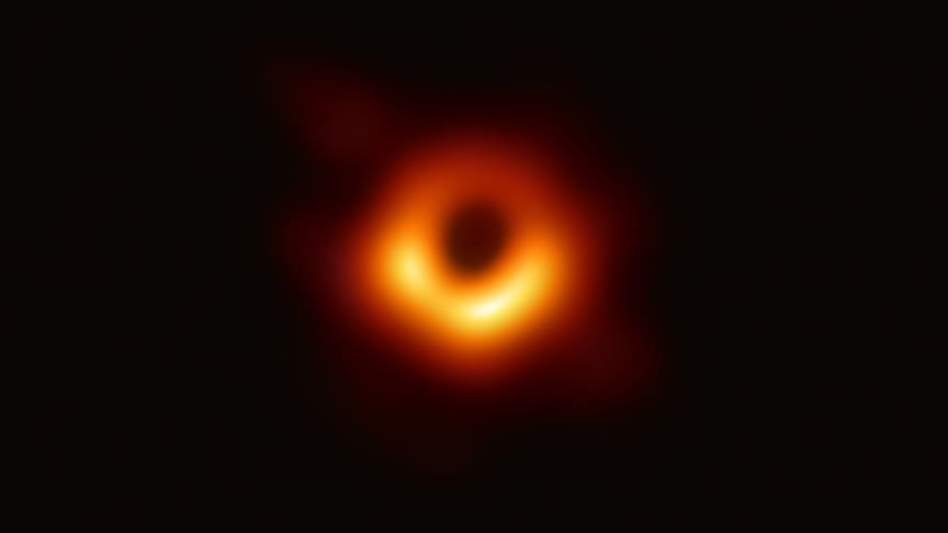 Radiobild av det svarta hålet i galaxen M87. Foto: Event Horizon Telescope Collaboration