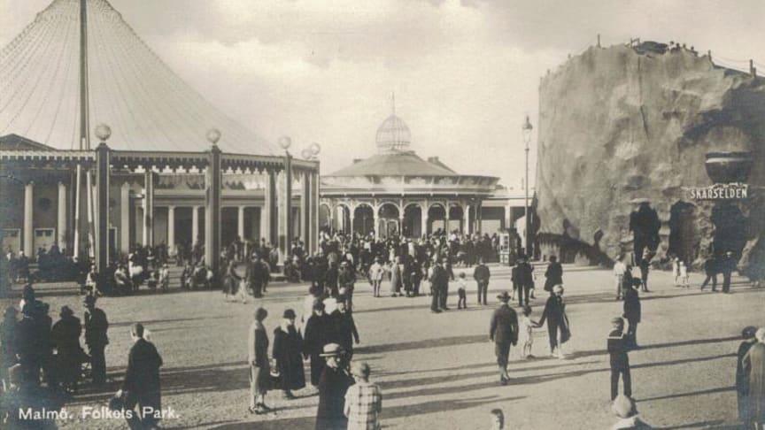 Vad var skärselden i Folkets Park 1926? Följ med den förre Parkchefen Sverker Haraldsson på en historisk rundvandring.