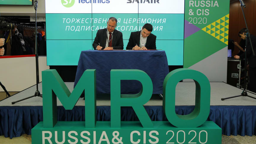 Terry Stone, Managing Director and Head of Sales and Support, Europe, Middle East & Africa and Alexey Petin, Head of Strategic Procurement, S7 Technics at MRO Russia.