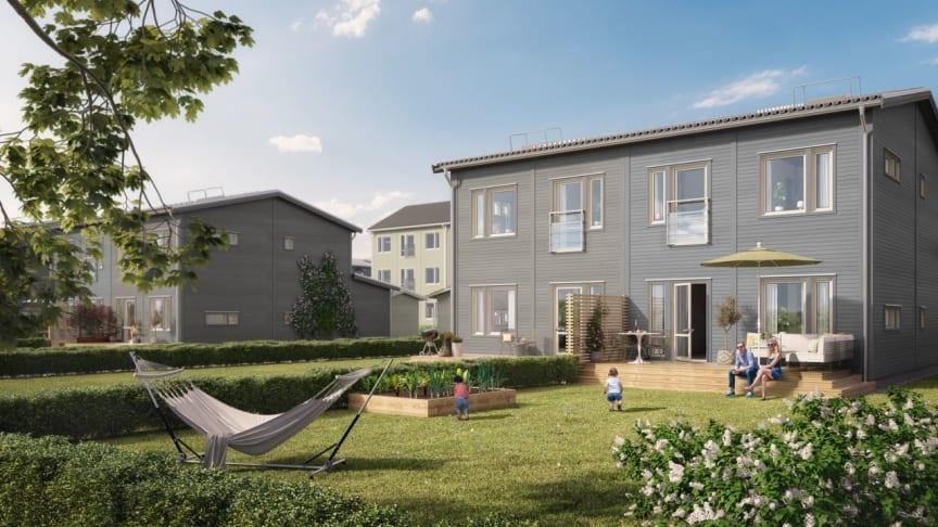 Flera av bostäderna i Brf Ängsblomman byggs som parhus i två plan, med egen uteplats och trädgård.
