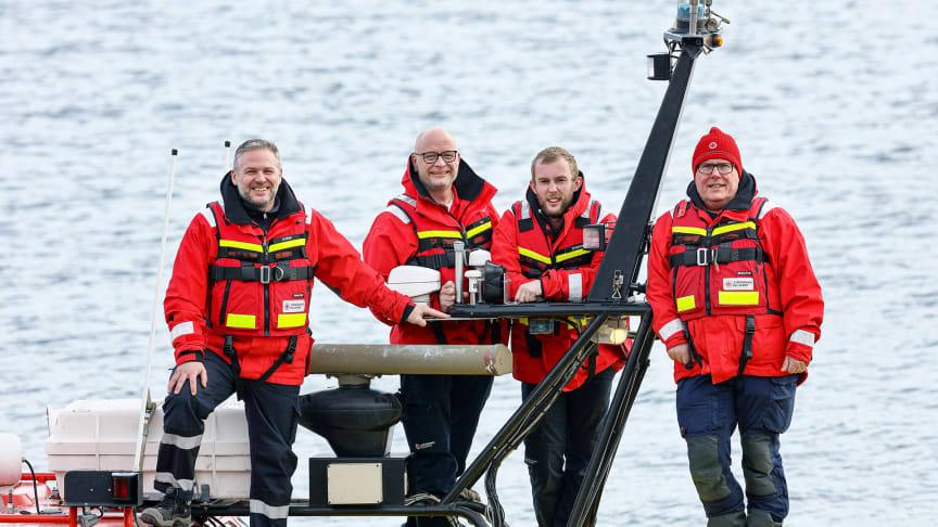 Årets sjöräddare hyllas för sin avgörande insats när de räddare livet på fem personer i vattnet en sensommarkväll. Foto: Peter Holgersson