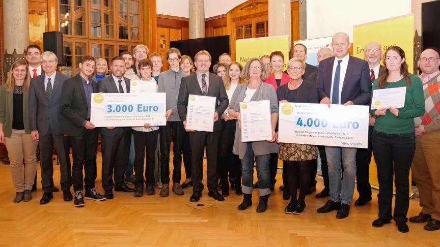 Das sind die oberfränkischen Preisträger 2018: Das Bayernwerk hat am Montag in Bayreuth den mit Unterstützung der Regierung von Oberfranken ins Leben gerufenen Bürgerenergiepreis vergeben.
