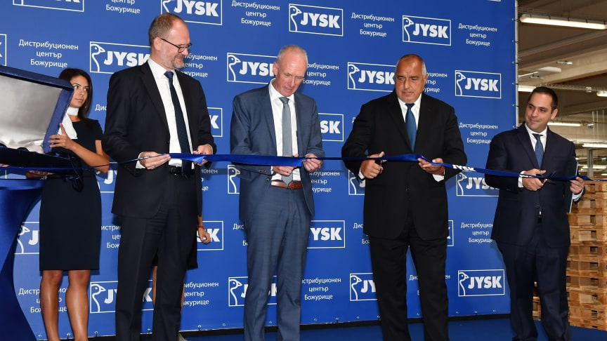 Fra venstre: den danske ambassadør Søren Jacobsen, CEO & President i JYSK Jan Bøgh, premierminister Boyko Borisov og økonomiminister Emil Karanikolov.