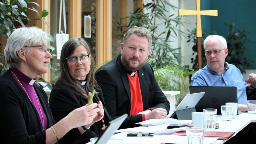 Styrelseledamöterna Antje Jackelén, Karin Wiborn, Lasse Svensson och Kjell Larsson vid dagens sammanträde i Ekumeniska centret, Alvik.