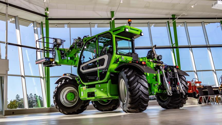 Nu är det klart att Merlo Multifarmer 40.9 kommer till Elmia Lantbruk. Maskinen är en perfekt lantbruksmaskin som dessutom når högre och längre än traktorer och hjullastare.