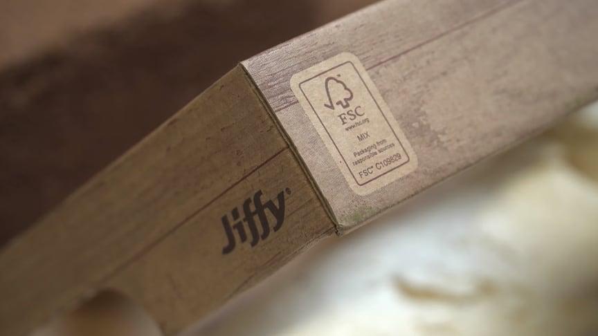 Jiffys nye bæredygtige emballage til deres organisk nedbrydelige blomsterpotter.
