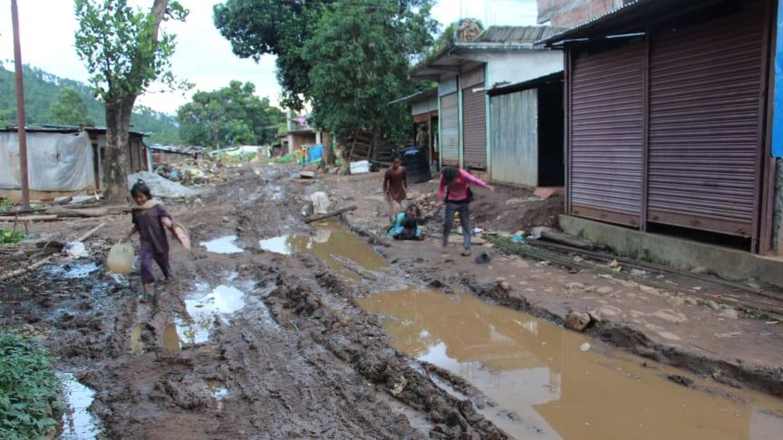 Byn Bimthar två år efter den stora jordbävningen