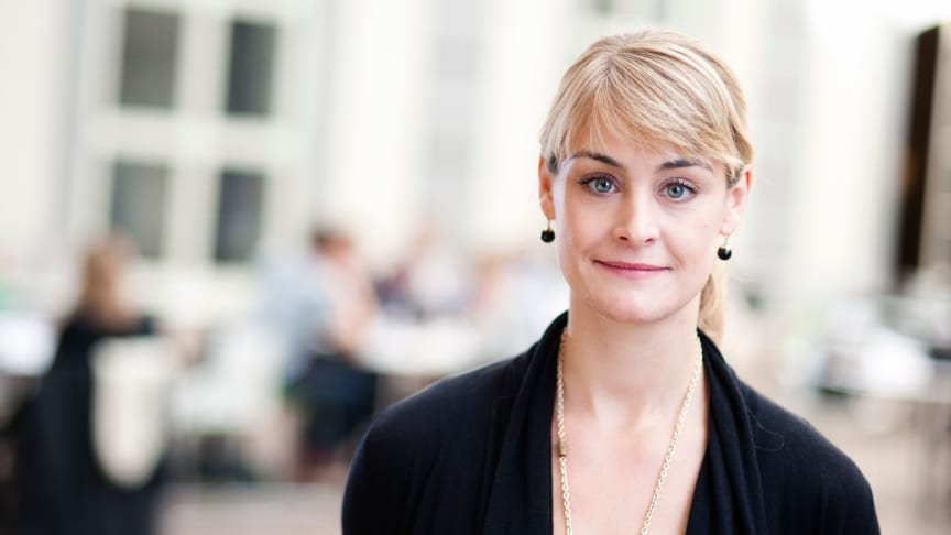 Karina T Liljedal anser att Indivds nya teknologi för inhämtning av anonymiserade kunddata och kundinsikter är mycket värdefull för forskning och utveckling inom reklambranschen. Pressbild: Handelshögskolan