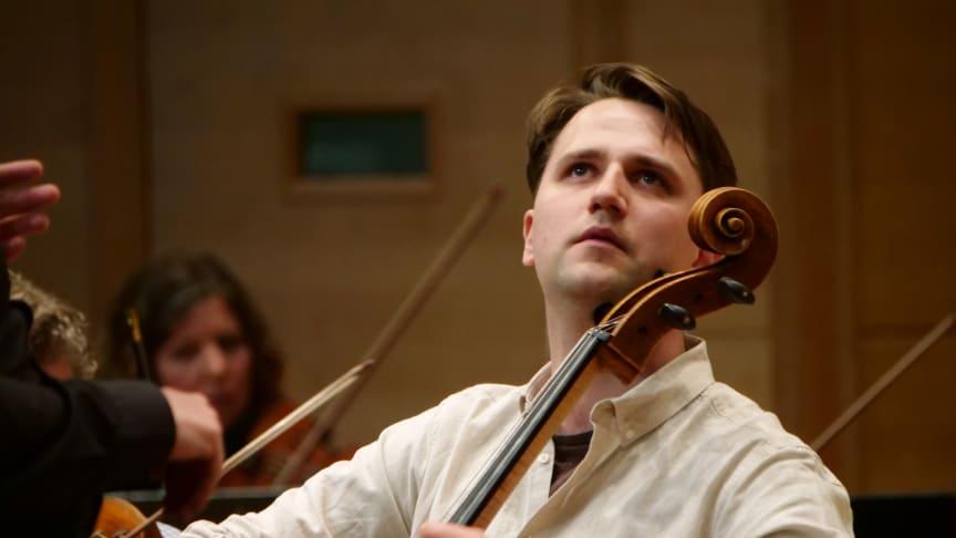 Sprudlande cellokonsert på SONs digitala scen på lördag