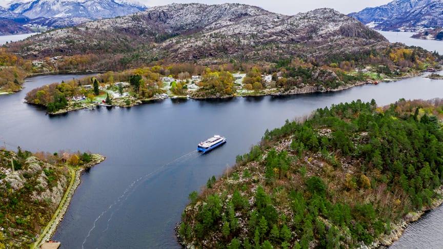 ELEKTRISK TURISME: Båten som skal trafikkere Lysefjorden skal kunne ta 297 passasjerer.