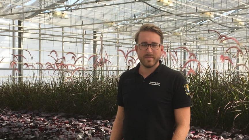 Produktionsledare Johan Fogelberg, i handelsträdgården på Kriminalvården i Tygelsjö