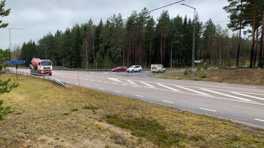 Korsningen Arningevägen/Jarlabankes väg är redan idag hårt belastad.