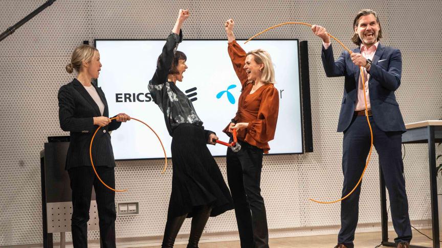 Jenny Lindqvist, chef för Nord- och Centraleuropa, Ericsson, Kaaren Hilsen, VD Telenor Sverige,  Åsa Tamson, Senior Vice President och chef Technologies & New Businesses, Ericsson, Andreas Kristensson, affärsutvecklingschef Telenor Sverige.