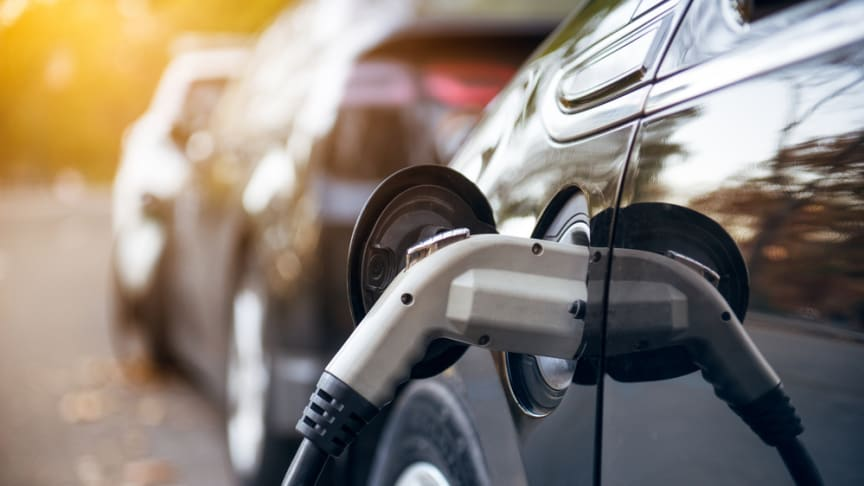 Government to reduce plug-in car grants from November - RAC reaction