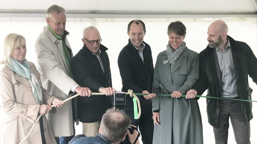 """Det symboliska första spadtaget togs genom att """"binda ihop utvecklingen av staden med Masthuggskajen""""."""