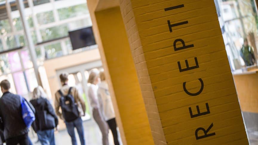 Under veckan påbörjar över 300 nya studenter sina studier på Högskolan i Skövde. Foto: Högskolan i Skövde